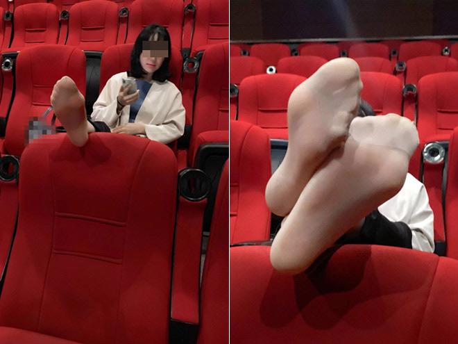 Mặc váy ngắn nằm ngả ngớn ở rạp chiếu phim, cô gái khiến dân mạng