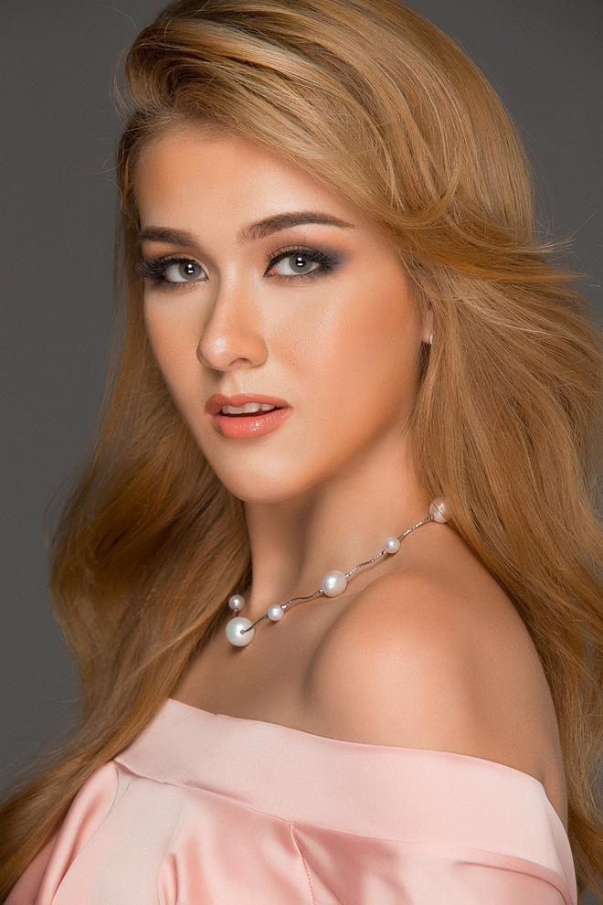 2 mẫu Tây sexy có cảnh nhạy cảm trên truyền hình, vướng scandal tình ái với sao nam Việt - 2