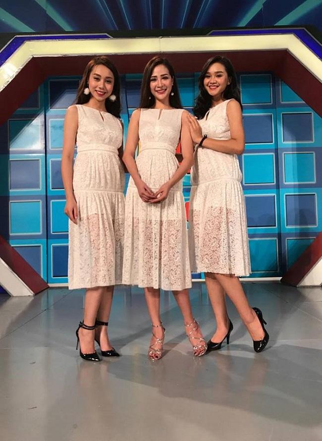 """Hứa Tú Linh (ở giữa) là một trong những người mẫu ấn tượng nhất của chương trình """"Hãy chọn giá đúng"""". Với vẻ ngoài xinh đẹp cùng phong cách chuyên nghiệp, Tú Linh nhận được sự yêu mến từ khán giả."""