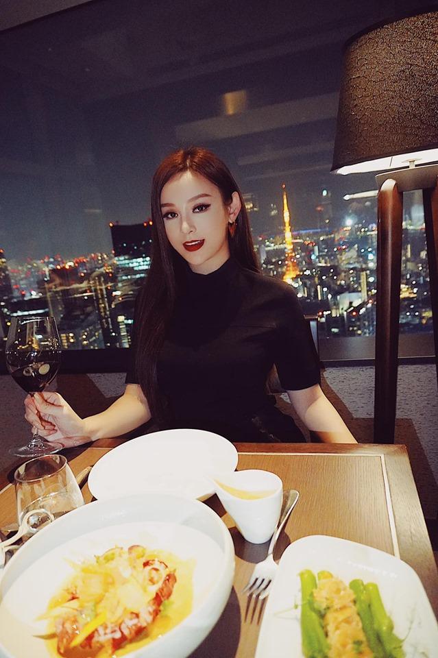 3 hot girl đời đầu lấy chồng đại gia Hà thành - Sài thành giờ ra sao? - 4
