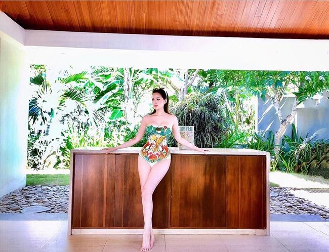 Hiếm hoi lắm, người hâm mộ mới thấy Tâm Tít khoe ảnh diện bikini trên mạng xã hội. Đây là hình ảnh trong chuyến nghỉ dưỡng cách đây không lâu của người đẹp.