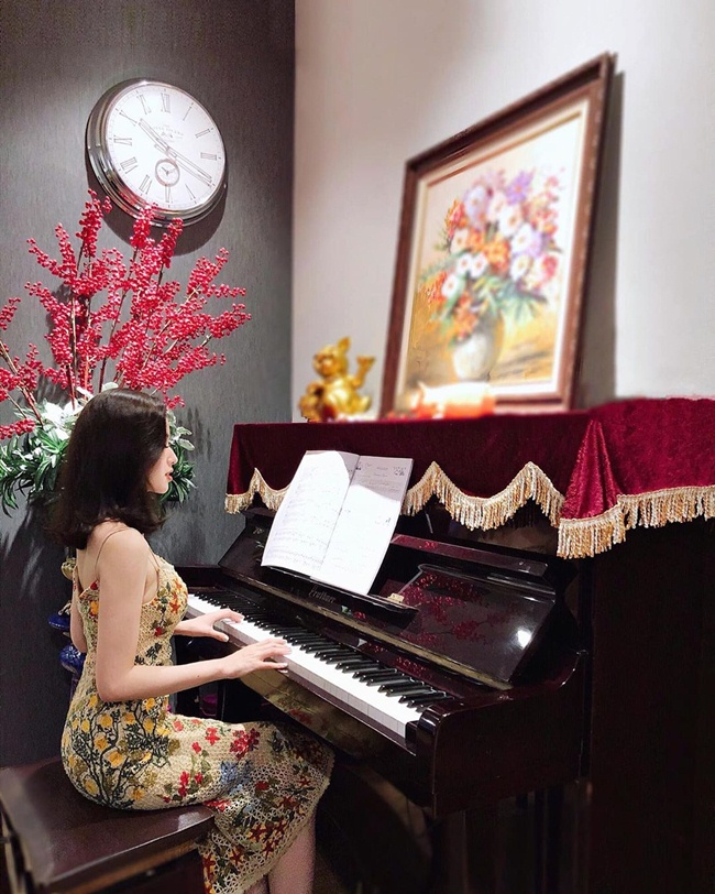 Những khoảnh khắc đời thường riêng tư được cựu hot girl Hà thành đăng tải trên trang cá nhân.
