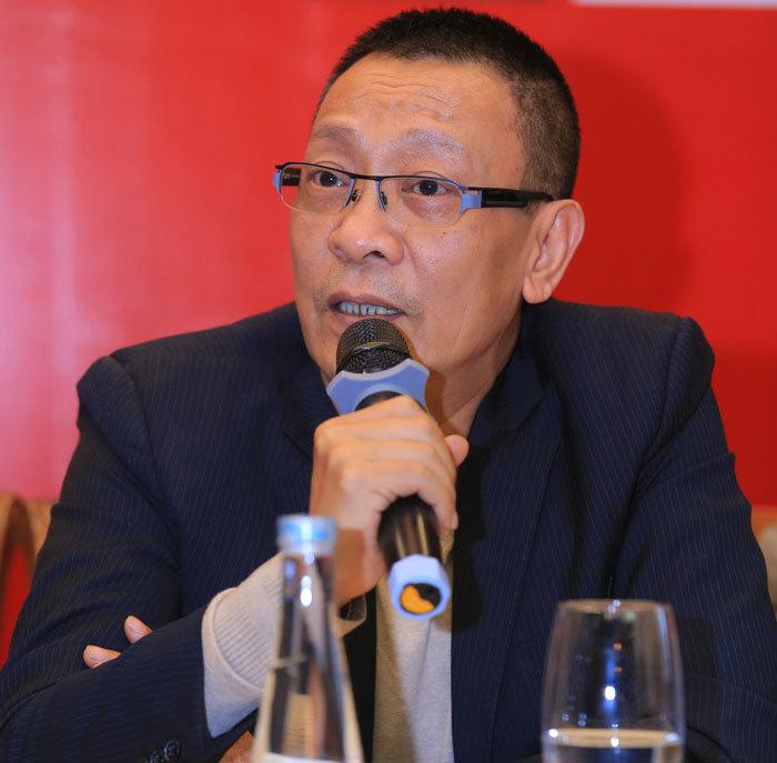 Sau trận Việt Nam – Thái Lan, sao Việt đặt biệt danh mới cho HLV Park Hang Seo