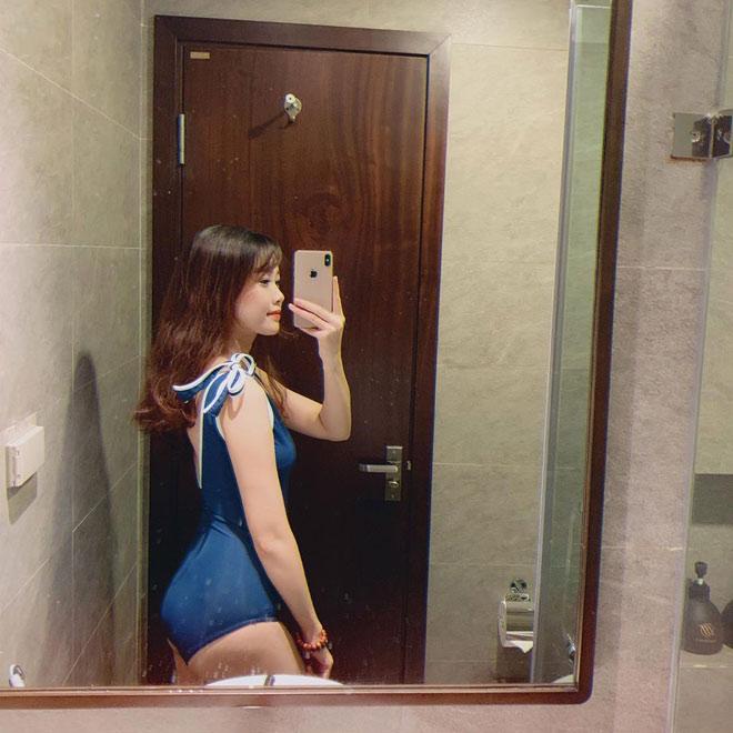"""Tung ảnh bikini siêu hot, bạn gái Văn Toàn khiến dân tình """"đứng ngồi không yên"""" - 7"""