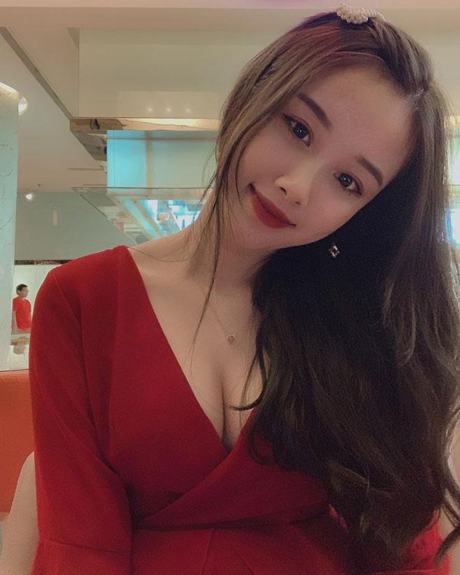 """Tung ảnh bikini siêu hot, bạn gái Văn Toàn khiến dân tình """"đứng ngồi không yên"""" - 11"""
