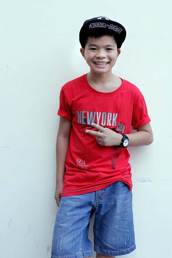 Quang Anh đăng quang quán quân The Voice Kids Nhí 2013.