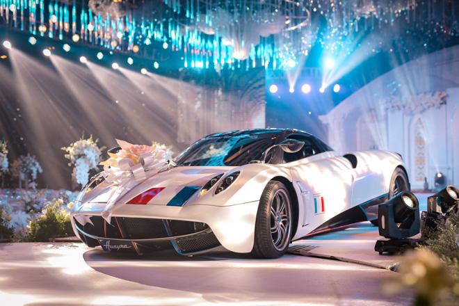 Đại gia Minh Nhựa lái siêu xe 80 tỷ đưa 'ái nữ' vào lễ đường, đám cưới toàn nghệ sĩ nổi tiếng - 2