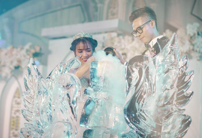 Đại gia Minh Nhựa lái siêu xe 80 tỷ đưa 'ái nữ' vào lễ đường, đám cưới toàn nghệ sĩ nổi tiếng - 8