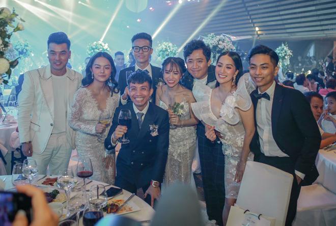 Đại gia Minh Nhựa lái siêu xe 80 tỷ đưa 'ái nữ' vào lễ đường, đám cưới toàn nghệ sĩ nổi tiếng - 14