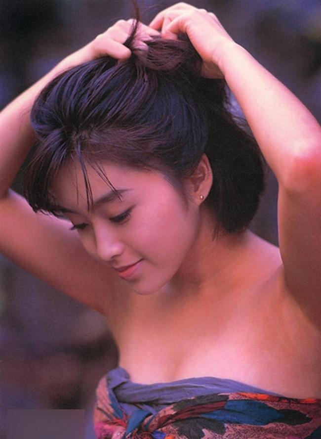 """Trên thực tế, nhiều sao 18+ sau khi giải nghệ có cuộc sống bi đát như Jenni Lee không hề hiếm. Ở Nhật Bản, nhiều cô đào phải quay lại con đường đóng phim để kiếm sống. Số khác lại sống ẩn dật hay chuyển hướng sang đi hát ở quán bar... Noriko Sakai là một trong những cựu ngôi sao phim 18+ có cuộc sống chật vật sau khi """"nghỉ hưu""""."""