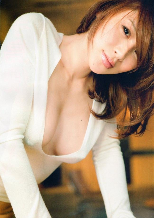 Sau khi ra tù, Sakai quya lại làng giải trí bằng cách đóng phim, ca hát, quay quảng cáo. Tuy nhiên, người hâm mộ không mấy mặn mà với sự tái xuất của nàng ngọc nữ lắm scandal. Vì túng thiếu khi một mình nuôi con trai, Noriko Sakai chấp nhận đóng phim 18+ vào năm 2014.