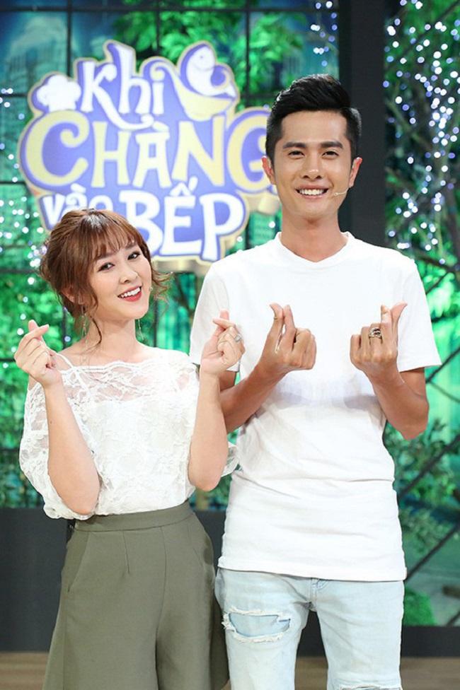 Không ít người vô cùng bất ngờ trước thông tin này bởi ngoài diễn xuất hài hước, dí dỏm, Huỳnh Phương còn nổi tiếng là nhân vật đào hoa nhất nhóm FapTV.Trước Sĩ Thanh, nam diễn viên sinh năm 1992 cũng từng công khai tình cảm và dính tin đồn hẹn hò với rất nhiều người đẹp.
