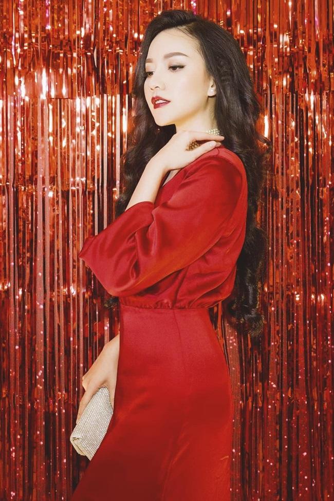 Phong cách quyến rũ đã tạo nên một hình ảnh Băng Di khác biệt so với cô trước kia.
