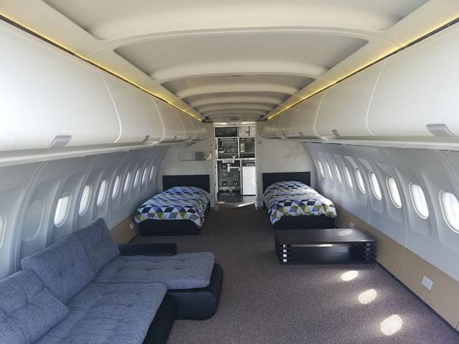 Nơi ở của khách có chiều dài khoảng 10,6m, rộng rãi cho 4 người ở.