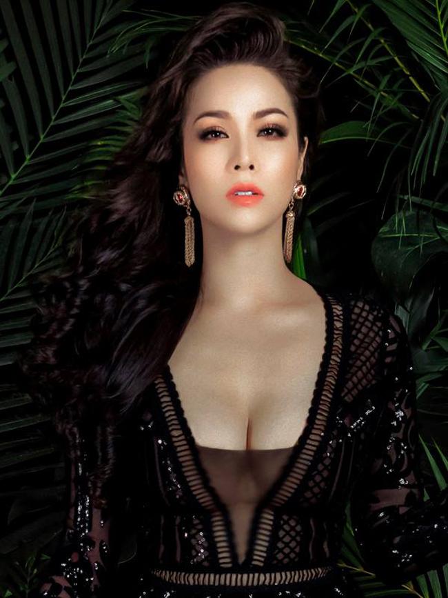 Hình ảnhgợi cảm ở thời điểm hiện tại của Nhật Kim Anh được nhiều fan ủng hộ.