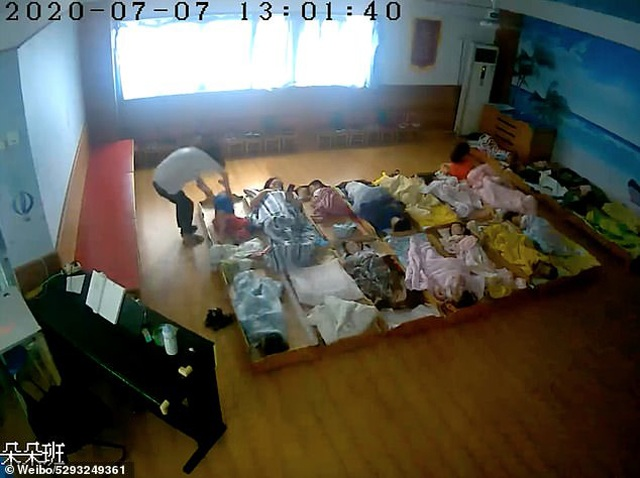 Con trai 3 tuổi bị rạch mặt khi đi học về, bố sốc nặng khi kiểm tra camera trong lớp - 3