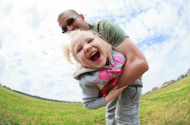 WHO: Trẻ được tiếp xúc với người cha 2 tiếng mỗi ngày sẽ có chỉ số IQ cao hơn - 3