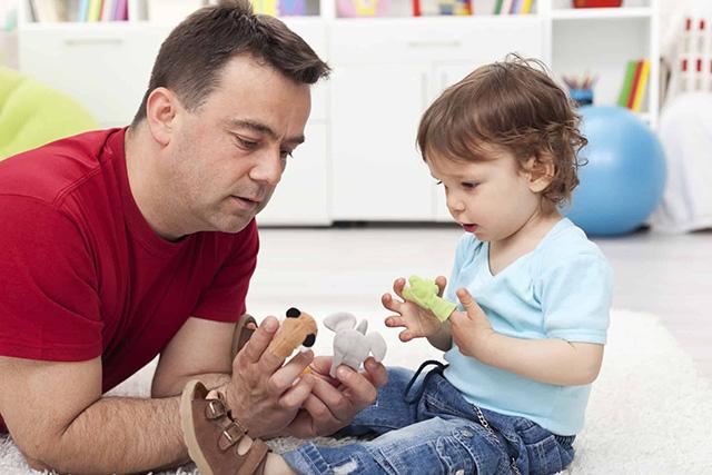 WHO: Trẻ được tiếp xúc với người cha 2 tiếng mỗi ngày sẽ có chỉ số IQ cao hơn - 2