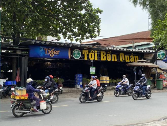 Những biển hiệu độc - lạ, hút khách ở Sài Gòn - 7