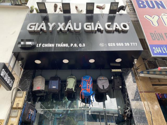 Những biển hiệu độc - lạ, hút khách ở Sài Gòn - 1