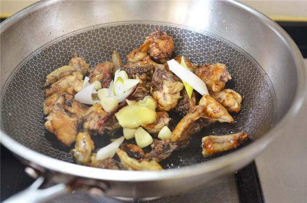 Cách làm gà chiên sốt dầu hào, đậm đà từng thớ thịt, vét sạch nồi cơm vẫn thấy thèm - 9