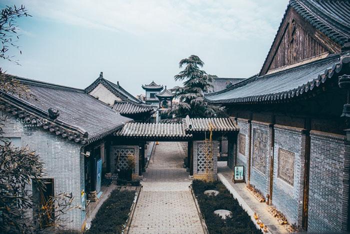Ngôi chùa hàng nghìn năm tuổi bỗng dưng nổi tiếng chỉ vì loài cây này - 11