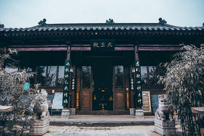 Ngôi chùa hàng nghìn năm tuổi bỗng dưng nổi tiếng chỉ vì loài cây này - 6