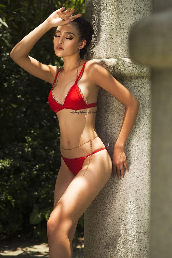 Ngỡ ngàng loạt ảnh bikini sexy của