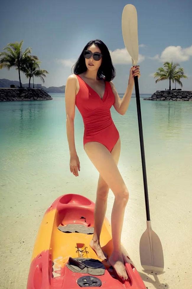 Thân hình hoàn hảo không tỳ vết thời gian của Hoa hậu U50.