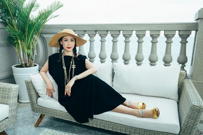 Ngoài căn biệt thự nhà vườn ở Sài Gòn, Hà Kiều Anh còn sở hữu một căn penthouse ở phố biển Vũng Tàu, có diện tích 500m2.
