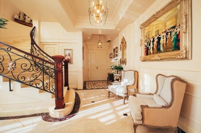 Hầu hết nội thất trong nhà đều được cô và ông xã lựa chọn kĩ lưỡng.