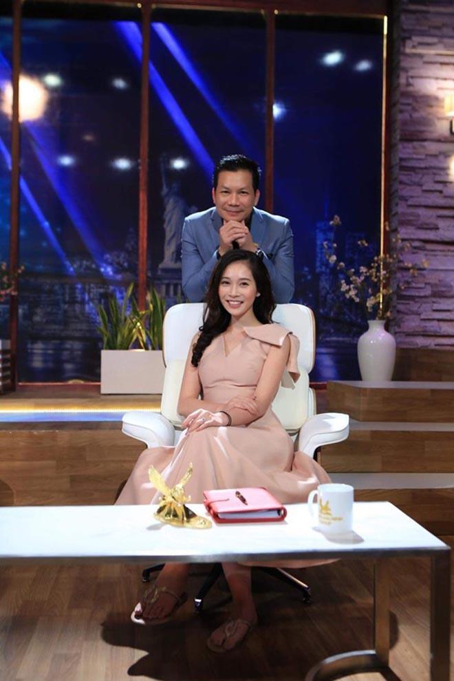 Chân dung vợ xinh đẹp của Shark Hưng: Là á hậu, kém 16 tuổi, giỏi nhiều ngoại ngữ - 7