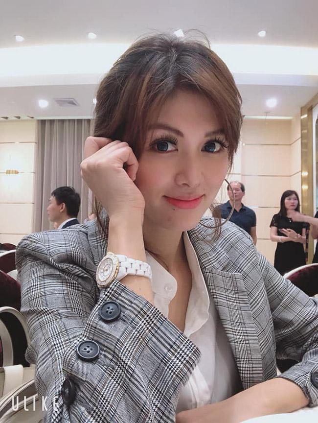 """Hiện Oanh Yến có công việc kinh doanh riêng tại TP.HCM. Cô được mệnh danh là người phụ nữ """"đảm việc nước, giỏi việc nhà"""""""