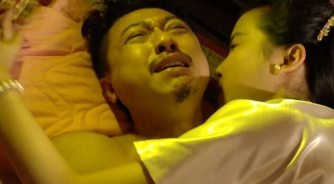 Trong bộ phim Tiếng sét trong mưa, Cao Thái Hà thường xuyên phải diễn cảnh nóng. Thế nhưng cảnh thu hút chú ý nhất chính là cảnh mợ Hai Sáng cưỡng bức người ở - do Hứa Minh Đạt thủ vai.