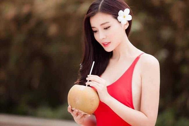 Cao Thái Hà là nữ diễn viên xinh đẹp, tài năng của màn ảnh Việt trong những ngày gần đây. Tên tuổi của nữ diễn viên phủ sóng trên các phương tiện truyền thông qua loạt phim Vũ khí sắc đẹp, Đồng tiền quỷ ám, Hậu duệ mặt trời (bản Việt), Bán chồng, Tiếng sét trong mưa... Nhiều năm gắn bó với diễn xuất, nữ diễn viên nhận được nhiều lời khen ngợi khi khả năng diễn xuất ngày càng điêu luyện và thu hút khán giả.