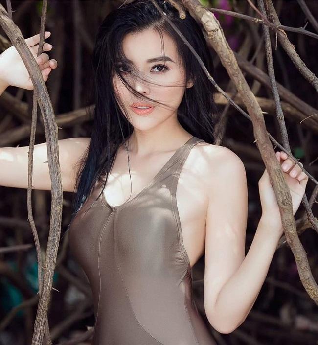 Hiện tại, Cao Thái Hà sống tại một căn biệt thự ở Thành phố Hồ Chí Minh. Theo như Thái Hà chia sẻ mức thu nhập hiện tại của cô không cao như những nghệ sĩ tên tuổi khác, chỉ khoảng 200 triệu/ tháng. Tuy nhiên để được thu nhập như vậy, cô đã phải cố gắng rất nhiều.