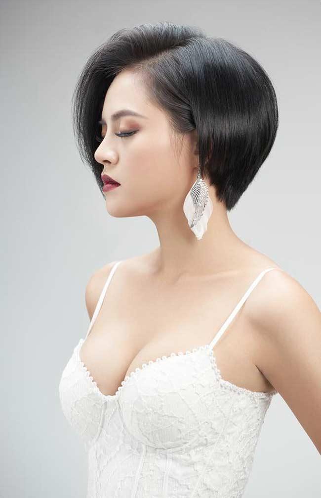 Là một diễn viên đình đám của màn ảnh Việt nên Thu Quỳnh nhanh chóng xử lý các cảnh quay một cách chuyên nghiệp khiến nhiều người ngưỡng mộ.
