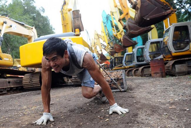 Xuất phát điểm là một diễn viên dòng phim thần tượng Đài Loan, Bành Vu Yến sau đó dành nhiều thời gian tập luyện võ thuật để theo đuổi dòng phim hành động.