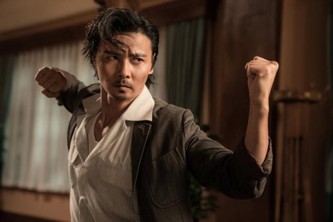 Nam diễn viên cũng đã tự thành lập môn hộ của riêng mình với tên gọi Tấn Bộ Thiên Hạ.