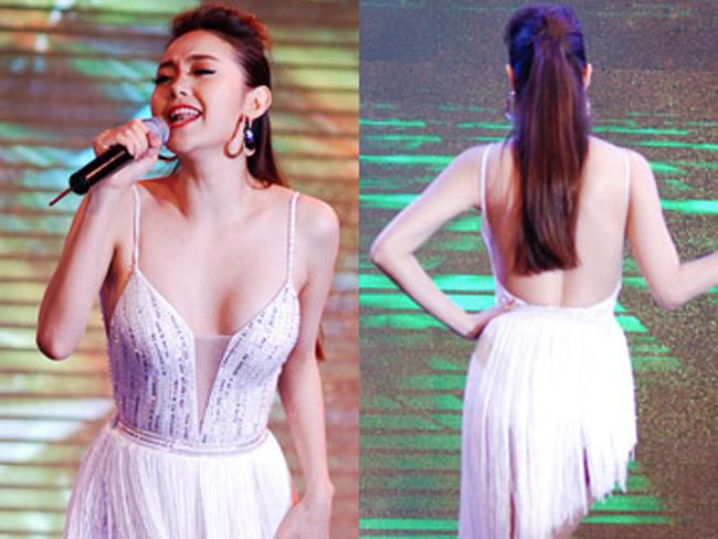 Người đẹp 8X cũng cẩn thận hơn trong việc chọn trang phục biểu diễn. Từ sau sự cố không mong muốn năm 2011, Minh Hằng chưa từng vướng bất cứ ồn ào nào về phong cách ăn mặc.