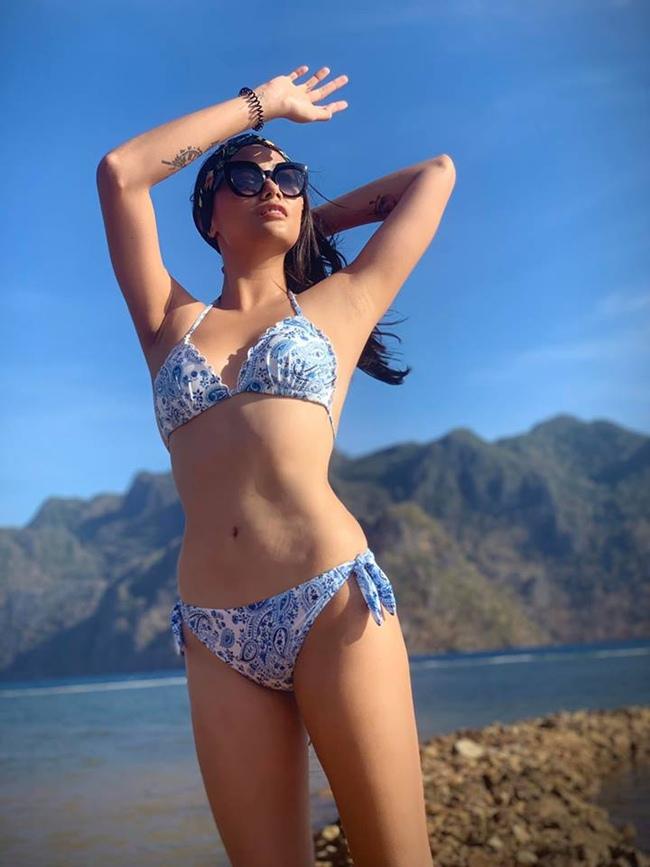 Ở tuổi 31, Võ Hoàng Yến có được sự nghiệp thành công. Ngoài việc tham gia các chương trình truyền hình thực tế, cô còn liên tục đảm nhận vị trí vedette trên sàn catwalk.