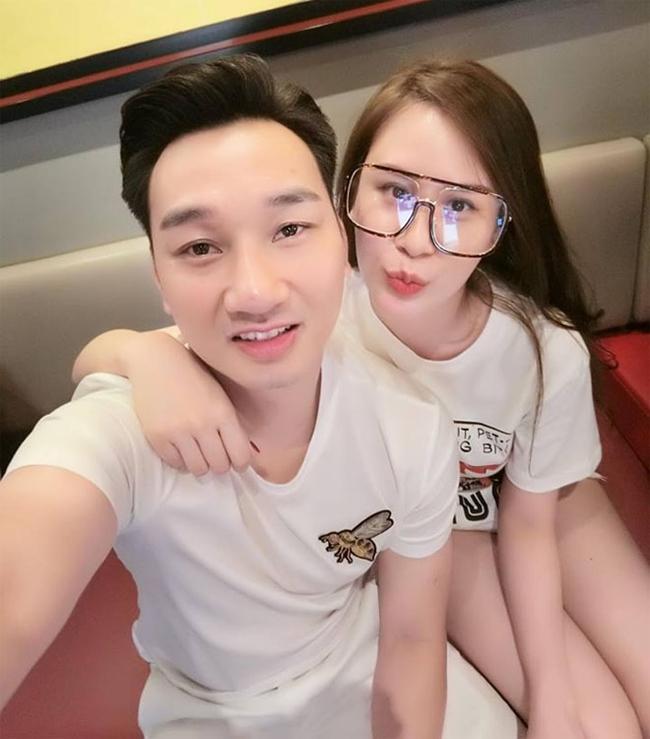 Thành Trung là MC, diễn viên hài nổi tiếng và sở hữu một lượng lớn người hâm mộ. Năm 2017, MC Thành Trung kết hôn lần hai với Ngọc Hương, người đẹp kém anh 8 tuổi.