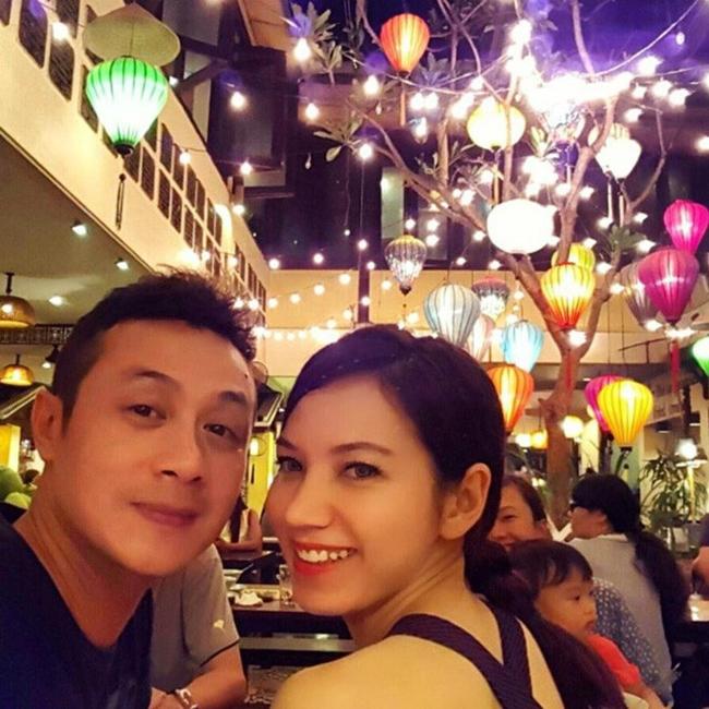 Năm 2008, Hồng Nhung ghi danh tham dự Hoa hậu Việt Nam. Đây chính là cơ duyên gặp gỡ của cô với Anh Tuấn. Thời điểm đó, Anh Tuấn là MC dẫn chương trình còn Hồng Nhung là thí sinh của cuộc thi.