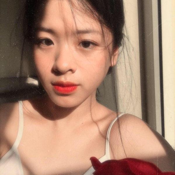 Con gái út nghệ sỹ Chiều Xuân ăn mặc gợi cảm khoe sức sống tuổi thiếu nữ - 7