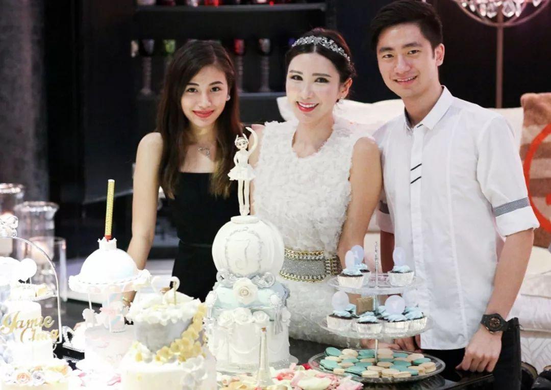 Nữ tiếp viên xinh đẹp giàu có bậc nhất Singapore là ai? - 6