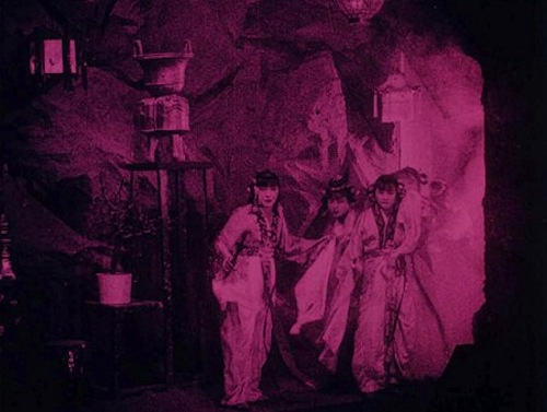 Bất ngờ với Tây Du Ký từ năm 1927: Trang phục hở hang, hoá trang như phim kinh dị - 3
