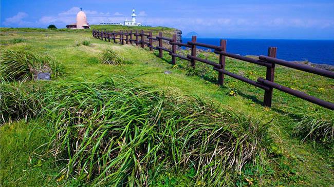 Marado: Hòn đảo ở Seogwipo-si này tương đối khó tiếp cận, mỗi ngày chỉ có một chuyến phà cấp bến từ bờ biển phía nam, nhưng đảo rất đẹp.