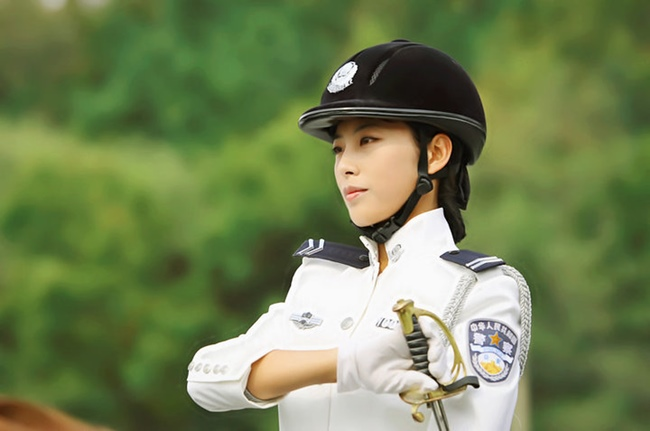 Tùy tính chất công việc và hoàn cảnh các bộ quân phục sẽ có màu sắc khác nhau.