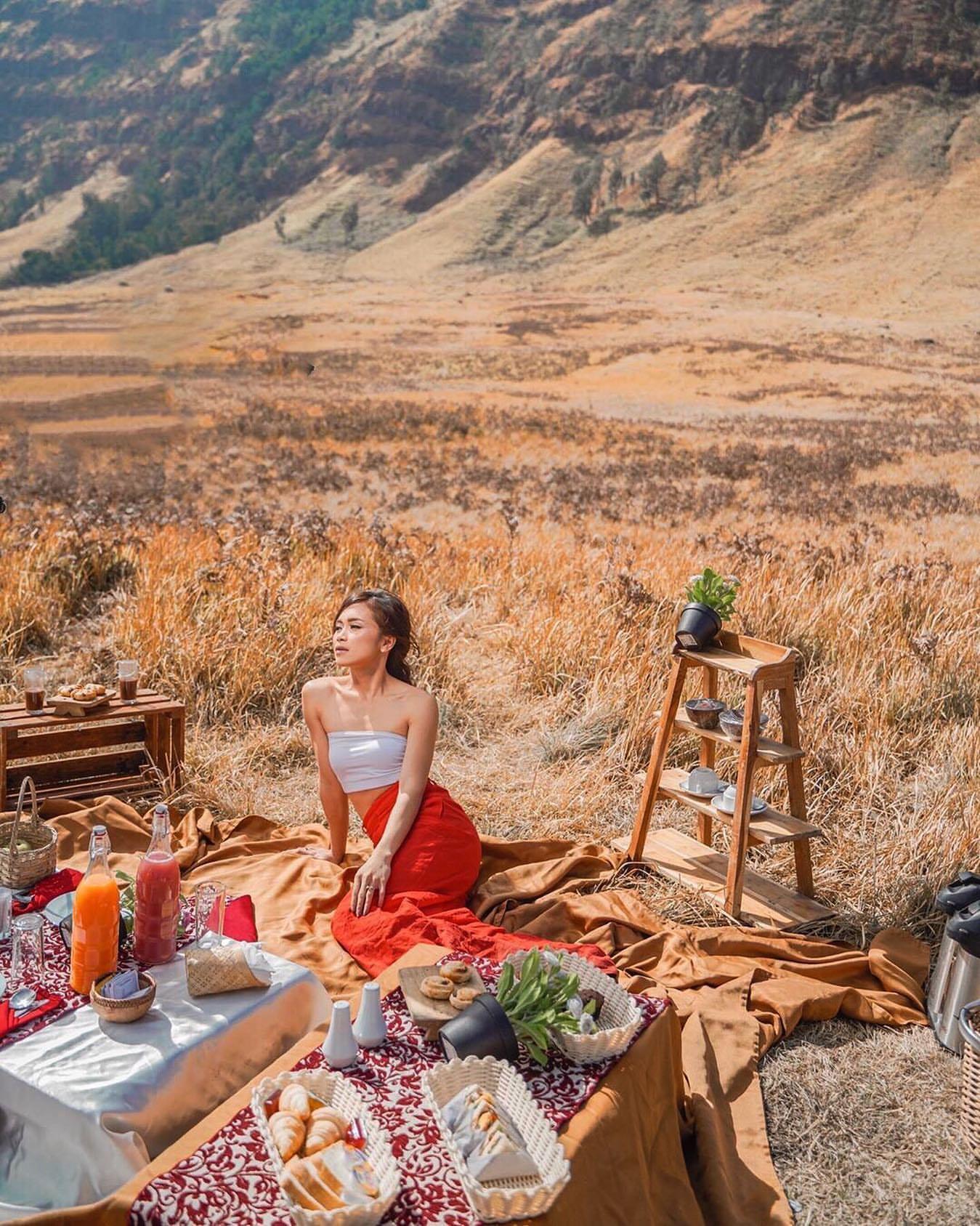 Tiền vệ Indonesia cầu hôn lãng mạn với bạn gái siêu xinh đẹp và nóng bỏng - 9