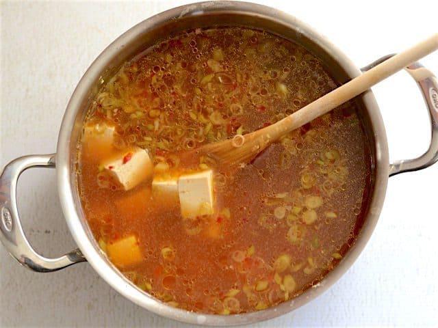 Chay mặn đều ngon tuyệt vời với món canh đậu phụ nấm chua ngọt - 4